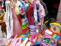 Buy quality second hand baby clothes at a mum2mum market nearly new sale